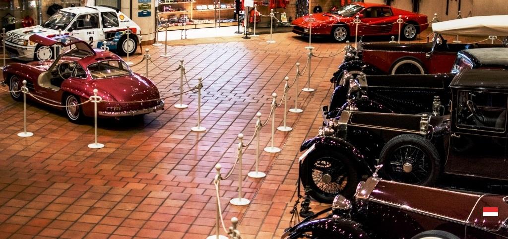 Коллекционные автомобили в музее Княжества Монако