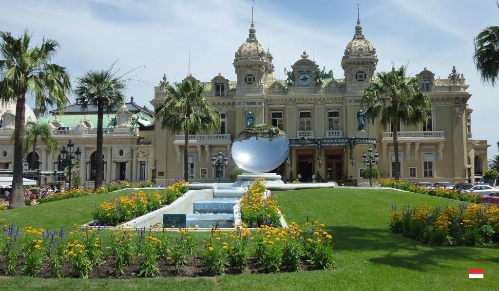 Сады Казино Монте-Карло в Монако