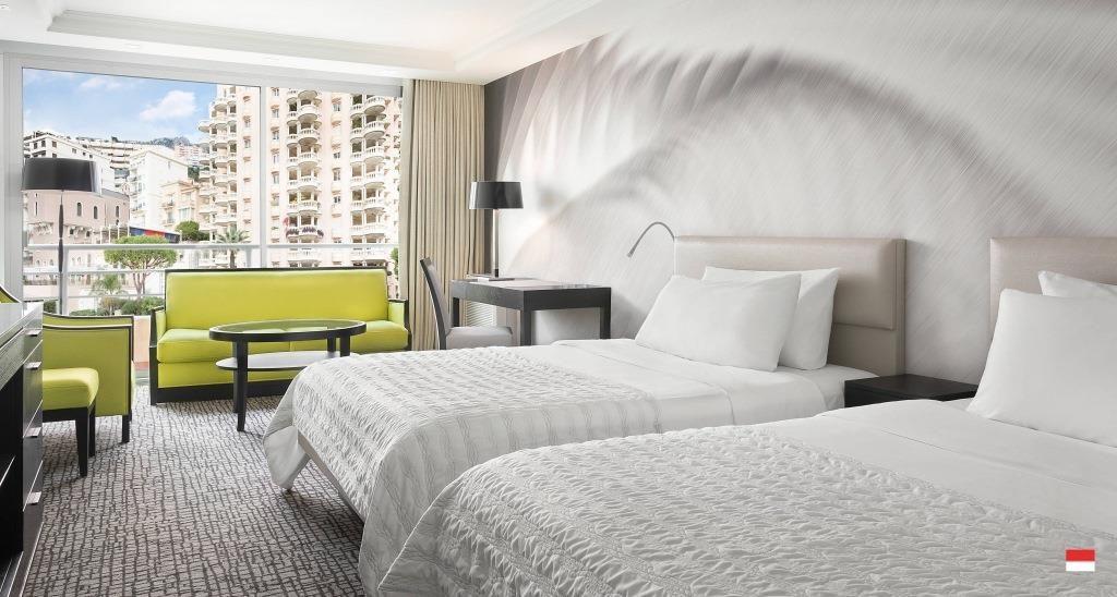 Номера отеля Le Meridien Beach Plaza 4*: описание