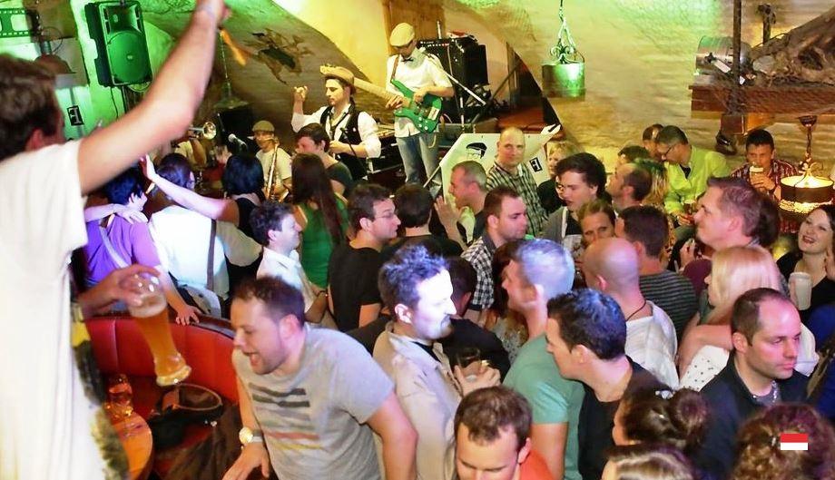 Молодежный отдых в Монако: молодежные клубы и бары Княжества